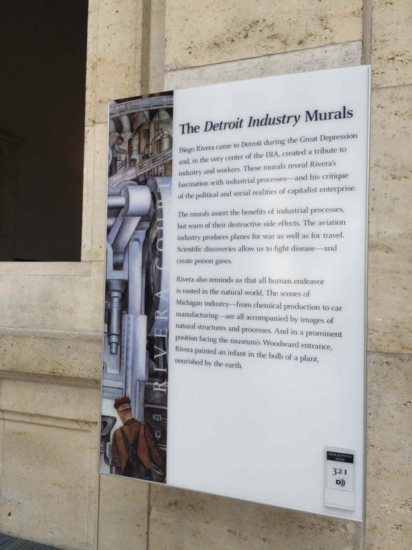 museum-inside-2ディエゴ・リベラ壁画説明プレート