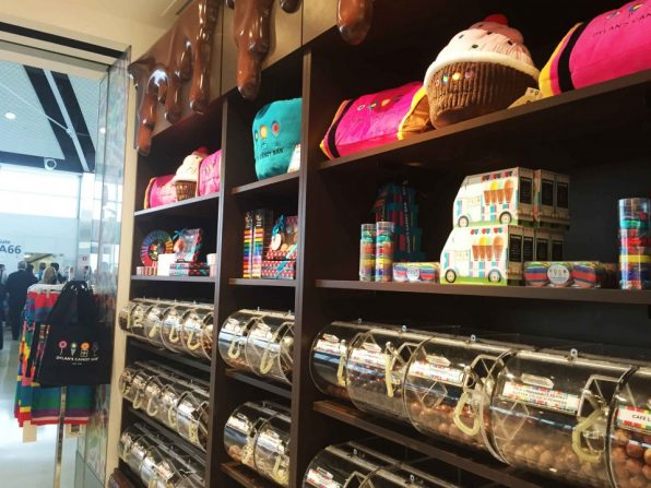 Dylan's Candy Bar(ディランズキャンディーバー)デトロイト空港