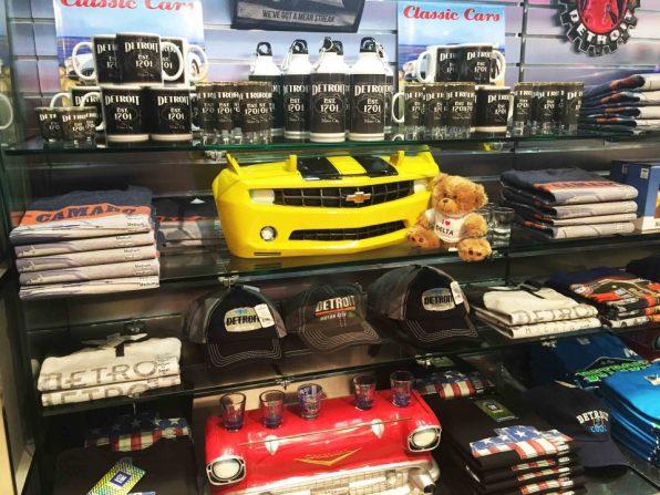 shop_detroit-t-car デトロイトグッズの数々